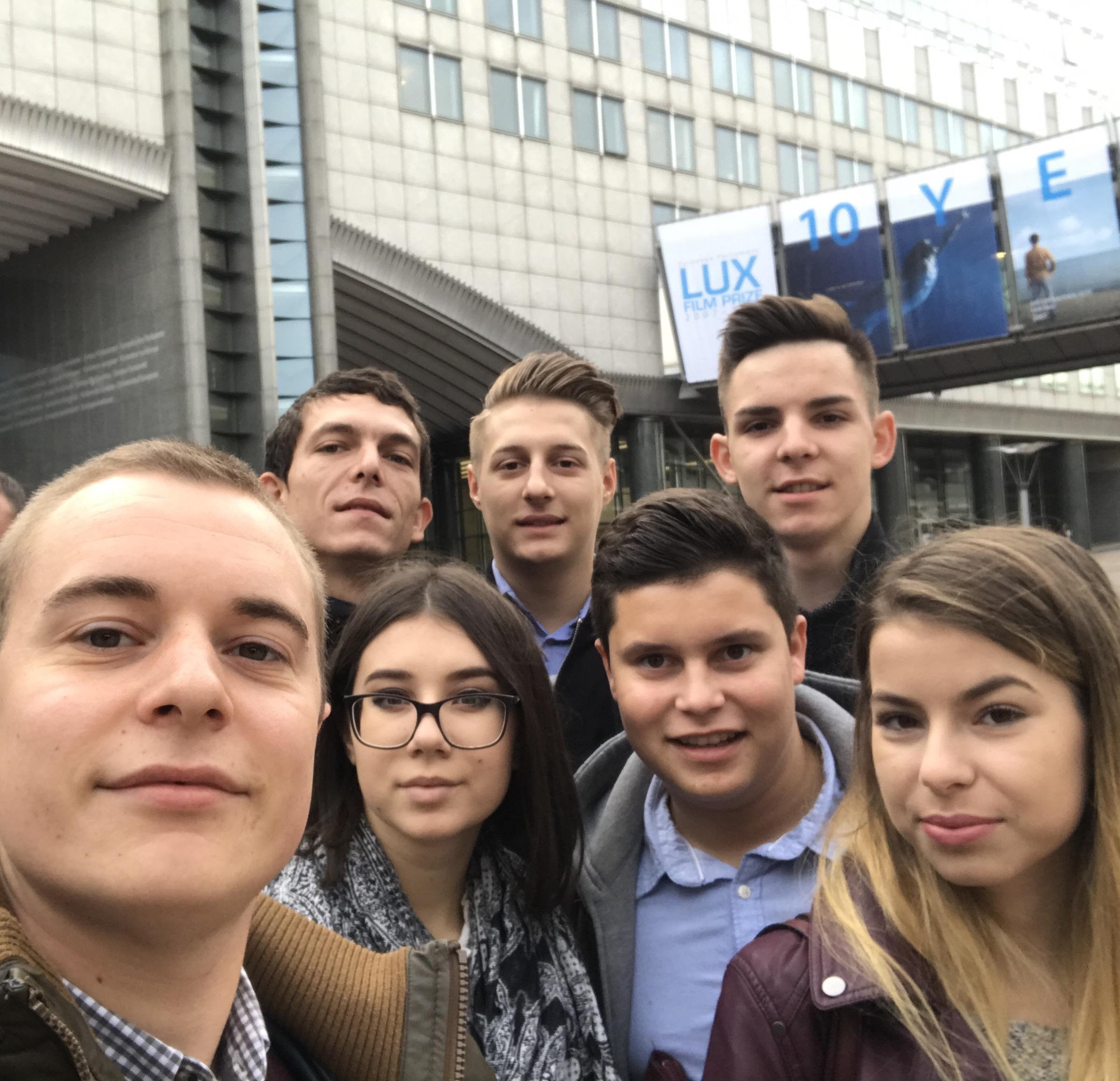 AMISZ-sok Brüsszelben